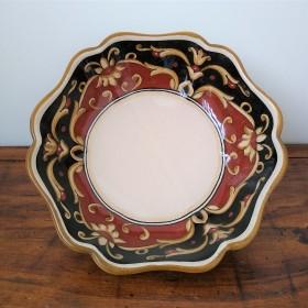 Ceramic scalopped bowl